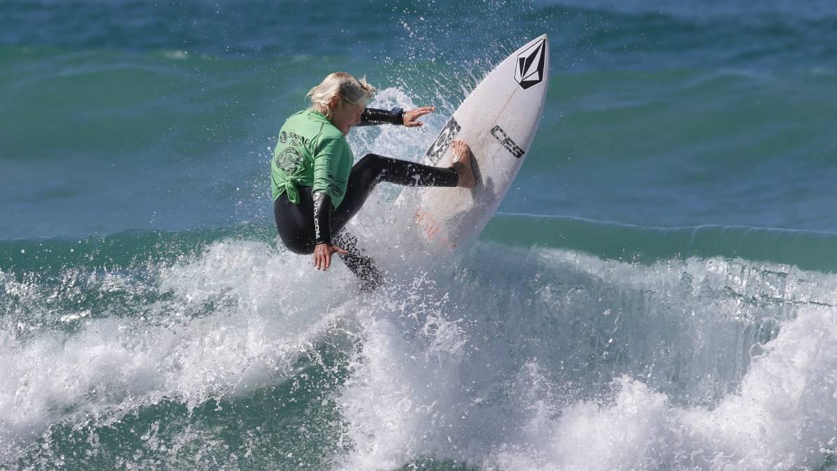 Garrett Mcnamara rides the biggest wave of all time in Nazaré