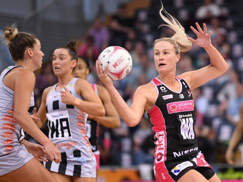 A strong finish from the Adelaide Thunderbirds secured their win over the Collingwood Magpies.